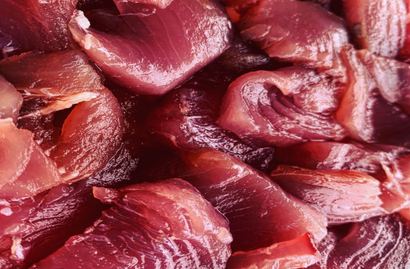 Nauru cuisine - Raw tuna