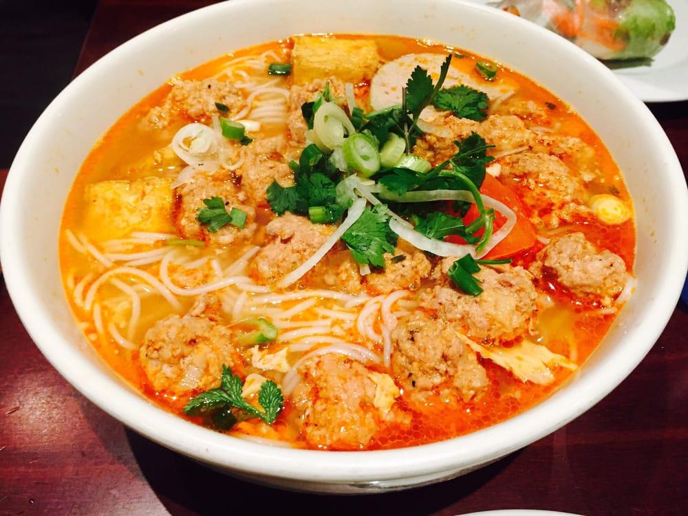 bun rie vietnames crab noodles soup