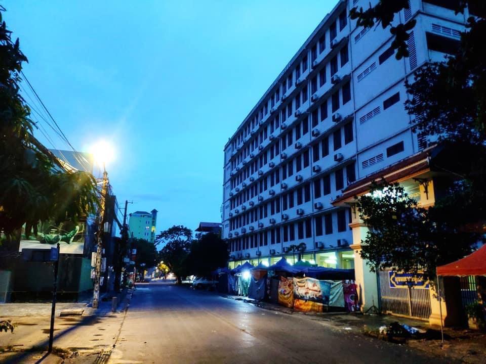 Cambodia ends travel ban
