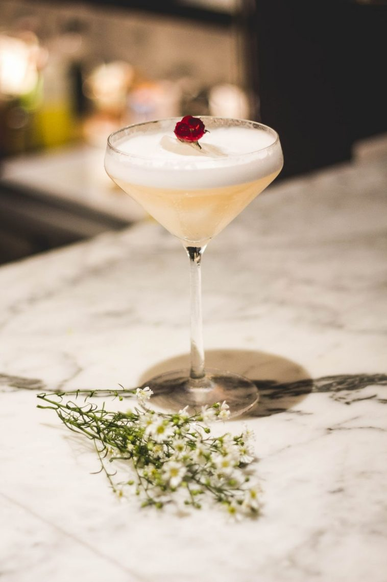 Edible Flowers You Can Add in Cocktails